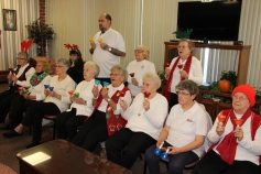 Bells, Older and Bolder Senior Group, via Tamaqua Salvation Army, at ABC Hi-Rise, Tamaqua, 11-30-20 (7)