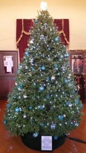 Christmas Tree, Tamaqua Train Station, Tamaqua, 12-10-2015 (1)
