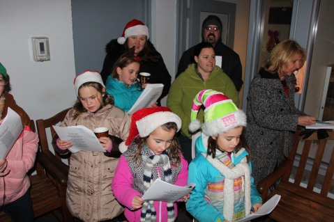 Community Members, Volunteers with Tamaqua Community Arts Center Sing Carols, Tamaqua (4)