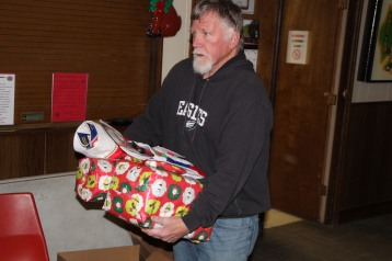 East End Fire Company Helps 27 Families for the Holidays, EE Fire Company, Tamaqua, 12-20-2015 (41)