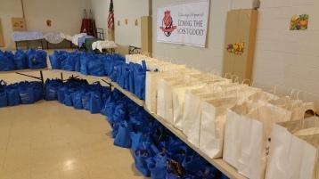 Food Basket Distribution, Tamaqua Salvation Army, Tamaqua, 11-23-2015 (2)