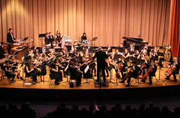 Holiday Concert via Gabriel Youth Orchestra, Lengel Auditorium, Pottsville MS (83)