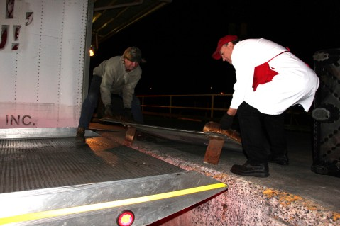 Hope's Towing and Collision Helps Deliver Holiday Hams for Salvation Army, Lehighton (1)