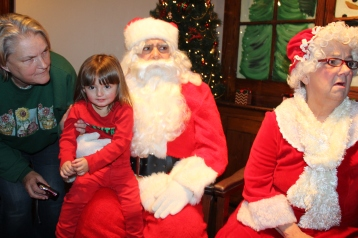 Meet and Greet with Santa, Mrs. Claus, Tamaqua Community Arts Center, Tamaqua, 12-4-2015 (14)