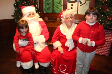 Meet and Greet with Santa, Mrs. Claus, Tamaqua Community Arts Center, Tamaqua, 12-4-2015 (15)