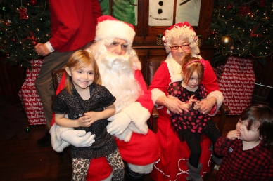 Meet and Greet with Santa, Mrs. Claus, Tamaqua Community Arts Center, Tamaqua, 12-4-2015 (157)