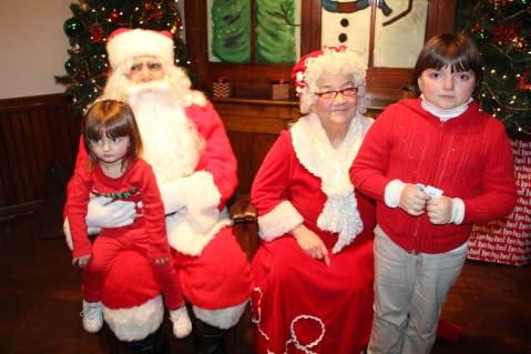 Meet and Greet with Santa, Mrs. Claus, Tamaqua Community Arts Center, Tamaqua, 12-4-2015 (16)