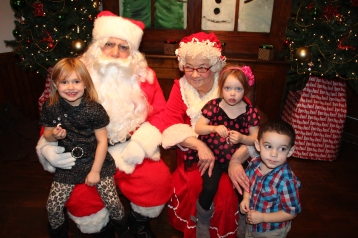 Meet and Greet with Santa, Mrs. Claus, Tamaqua Community Arts Center, Tamaqua, 12-4-2015 (175)
