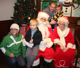Meet and Greet with Santa, Mrs. Claus, Tamaqua Community Arts Center, Tamaqua, 12-4-2015 (206)