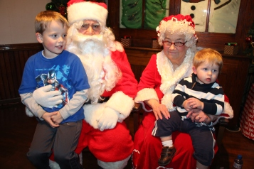 Meet and Greet with Santa, Mrs. Claus, Tamaqua Community Arts Center, Tamaqua, 12-4-2015 (29)