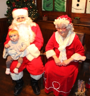 Meet and Greet with Santa, Mrs. Claus, Tamaqua Community Arts Center, Tamaqua, 12-4-2015 (42)