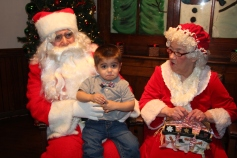 Meet and Greet with Santa, Mrs. Claus, Tamaqua Community Arts Center, Tamaqua, 12-4-2015 (6)