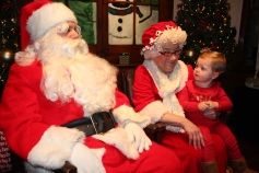 Meet and Greet with Santa, Mrs. Claus, Tamaqua Community Arts Center, Tamaqua, 12-4-2015 (70)