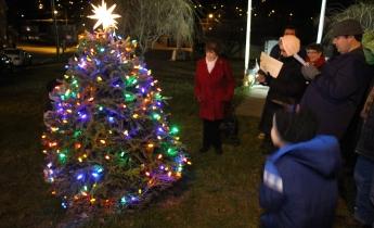 Nesquehoning Holiday Tree Lighting, via Lions Club, Nesquehoning, 12-5-2015 (4)