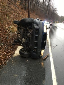 Overturned Vehicle, US209, Middleport, 12-1-2015, via Tuscarora Fire Company (2)