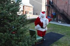 Santa Claus Stops at American Hose Company, Tamaqua, 12-20-2015 (19)