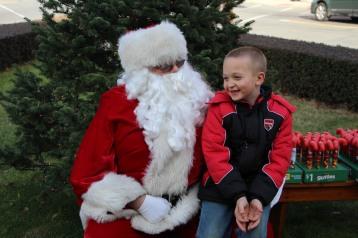 Santa Claus Stops at American Hose Company, Tamaqua, 12-20-2015 (21)