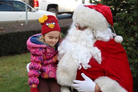 Santa Claus Stops at American Hose Company, Tamaqua, 12-20-2015 (23)