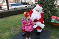 Santa Claus Stops at American Hose Company, Tamaqua, 12-20-2015 (26)