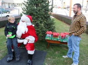 Santa Claus Stops at American Hose Company, Tamaqua, 12-20-2015 (36)