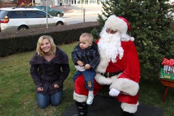 Santa Claus Stops at American Hose Company, Tamaqua, 12-20-2015 (45)