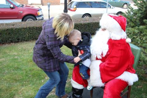 Santa Claus Stops at American Hose Company, Tamaqua, 12-20-2015 (46)