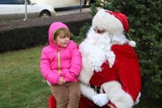 Santa Claus Stops at American Hose Company, Tamaqua, 12-20-2015 (53)