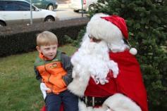 Santa Claus Stops at American Hose Company, Tamaqua, 12-20-2015 (61)