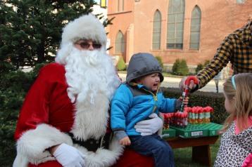 Santa Claus Stops at American Hose Company, Tamaqua, 12-20-2015 (78)