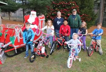 Santa Claus Visits Dam, Festival at Owl Creek, Tamaqua, 12-12-2015 (46)