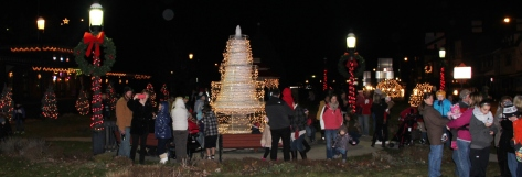 Santa Parade and Park Illumination, Depot Square Park, Tamaqua, 12-4-2015 (54)