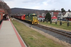 Santa Train Rides, via Tamaqua Historical Society, Train Station, Tamaqua, 12-19-2015 (102)