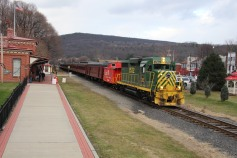 Santa Train Rides, via Tamaqua Historical Society, Train Station, Tamaqua, 12-19-2015 (103)