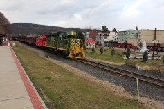 Santa Train Rides, via Tamaqua Historical Society, Train Station, Tamaqua, 12-19-2015 (104)