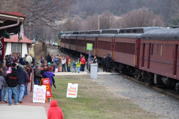 Santa Train Rides, via Tamaqua Historical Society, Train Station, Tamaqua, 12-19-2015 (11)