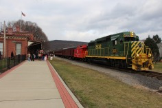 Santa Train Rides, via Tamaqua Historical Society, Train Station, Tamaqua, 12-19-2015 (14)