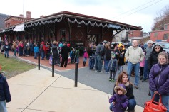 Santa Train Rides, via Tamaqua Historical Society, Train Station, Tamaqua, 12-19-2015 (48)