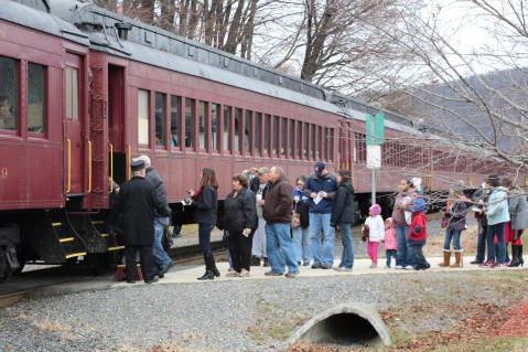 Santa Train Rides, via Tamaqua Historical Society, Train Station, Tamaqua, 12-19-2015 (60)