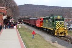 Santa Train Rides, via Tamaqua Historical Society, Train Station, Tamaqua, 12-19-2015 (9)
