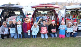 Sharon's Angels, Christmas Distribution, Tamaqua, 12-20-2015 (7)