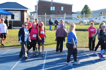 SubUrban 5k Run, Memory of Thelma Urban, TASD Sports Stadium, Tamaqua, 10-17-2015 (21)