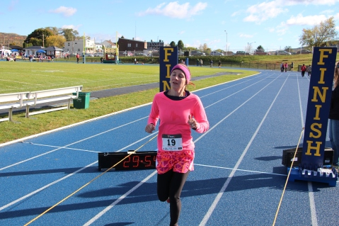 SubUrban 5k Run, Memory of Thelma Urban, TASD Sports Stadium, Tamaqua, 10-17-2015 (305)