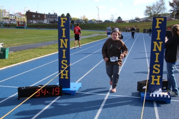 SubUrban 5k Run, Memory of Thelma Urban, TASD Sports Stadium, Tamaqua, 10-17-2015 (373)