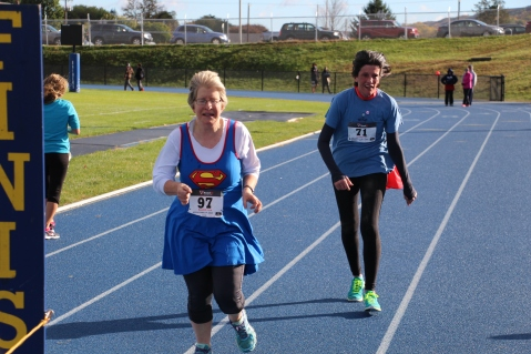SubUrban 5k Run, Memory of Thelma Urban, TASD Sports Stadium, Tamaqua, 10-17-2015 (413)