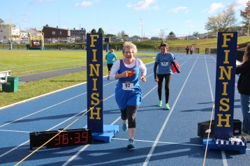SubUrban 5k Run, Memory of Thelma Urban, TASD Sports Stadium, Tamaqua, 10-17-2015 (414)