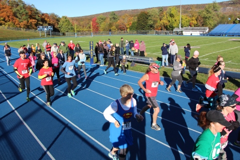 SubUrban 5k Run, Memory of Thelma Urban, TASD Sports Stadium, Tamaqua, 10-17-2015 (86)