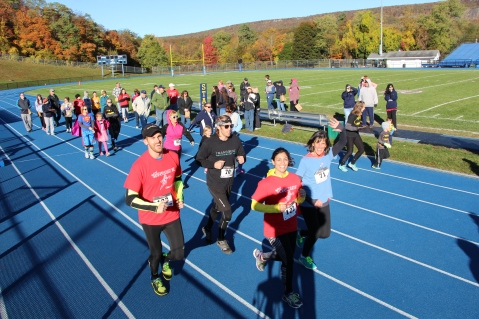 SubUrban 5k Run, Memory of Thelma Urban, TASD Sports Stadium, Tamaqua, 10-17-2015 (89)