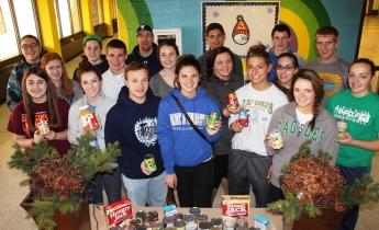Tamaqua Area Student Government Association Donates Food, Trees, to Salvation Army, Tamaqua (8)