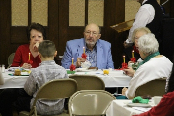 Tamaqua Community Advent Breakfast, Zion Evangelical Lutheran Church, Tamaqua, 12-12-2015 (67)