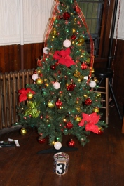Tree Festival, Voting, Tamaqua Community Arts Center, Tamaqua, 12-4-2015 (40)